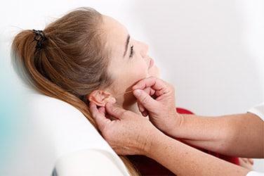 Akupunktur am Ohr